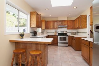 Photo 4: 695 BURLEY Drive in West Vancouver: Cedardale House for sale : MLS®# V973541