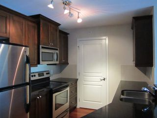Photo 7: # 408 1969 WESTMINSTER AV in Port Coquitlam: Glenwood PQ Condo for sale : MLS®# V1084478