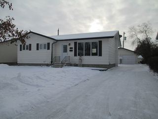 Photo 1: 266 Centennial Drive in Dauphin: Manitoba Other Residential for sale