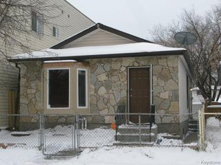 Photo 1: 558 Stella Avenue in WINNIPEG: North End Single Family Detached for sale (North West Winnipeg)  : MLS®# 1326005