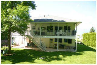 Photo 2: 1891 Northeast 2 Avenue in Salmon Arm: NE Salmon Arm House for sale : MLS®# 10083197