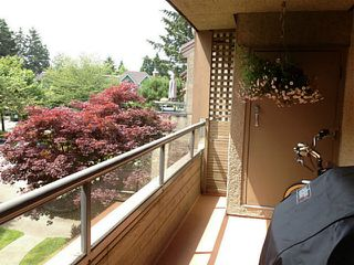 Photo 12: # 205 1690 AUGUSTA AV in Burnaby: Simon Fraser Univer. Condo for sale (Burnaby North)  : MLS®# V1071324