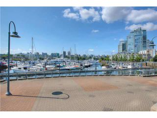 "Photo 18: 2105 1067 MARINASIDE Crescent in Vancouver: Yaletown Condo for sale in ""QUAY WEST II"" (Vancouver West)  : MLS®# V1076929"