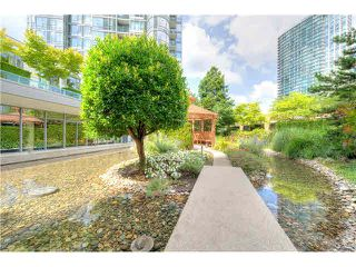 "Photo 17: 2105 1067 MARINASIDE Crescent in Vancouver: Yaletown Condo for sale in ""QUAY WEST II"" (Vancouver West)  : MLS®# V1076929"