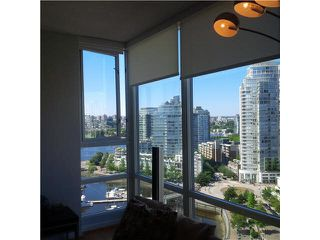 "Photo 5: 2105 1067 MARINASIDE Crescent in Vancouver: Yaletown Condo for sale in ""QUAY WEST II"" (Vancouver West)  : MLS®# V1076929"