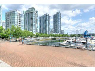 "Photo 19: 2105 1067 MARINASIDE Crescent in Vancouver: Yaletown Condo for sale in ""QUAY WEST II"" (Vancouver West)  : MLS®# V1076929"