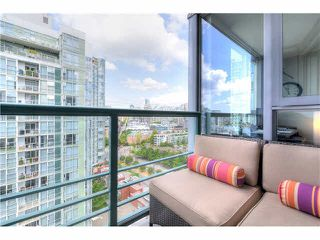 "Photo 12: 2105 1067 MARINASIDE Crescent in Vancouver: Yaletown Condo for sale in ""QUAY WEST II"" (Vancouver West)  : MLS®# V1076929"