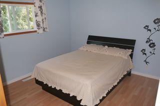 Photo 5: 954 Greencrest Avenue in Winnipeg: Fort Richmond Single Family Detached for sale (South Winnipeg)  : MLS®# 1522121
