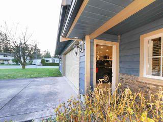 Photo 3: 19663 35A AVENUE in Langley: Brookswood Langley House for sale : MLS®# R2038490
