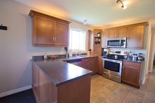 Photo 7: 107 Stanley Drive: Sackville House for sale : MLS®# M106742