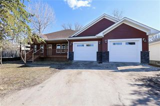 Photo 1: 228 Walnut Avenue in Mitchell: R16 Residential for sale : MLS®# 1908577