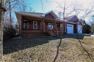 Photo 2: 228 Walnut Avenue in Mitchell: R16 Residential for sale : MLS®# 1908577