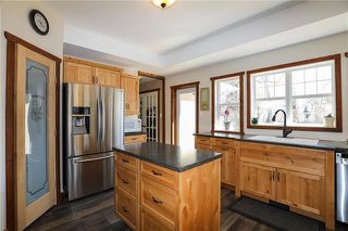 Photo 5: 228 Walnut Avenue in Mitchell: R16 Residential for sale : MLS®# 1908577