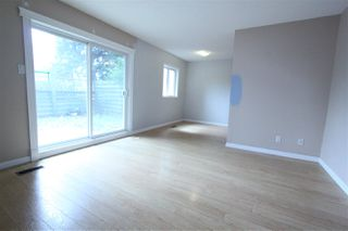 Photo 5: #2B MEADOWLARK VG NW in Edmonton: Zone 22 Townhouse for sale : MLS®# E4167062