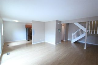 Photo 3: #2B MEADOWLARK VG NW in Edmonton: Zone 22 Townhouse for sale : MLS®# E4167062