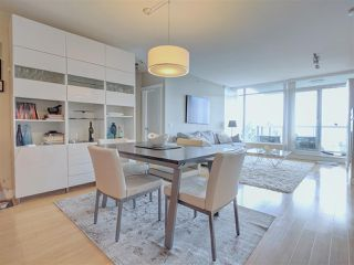 """Photo 5: 902 9222 UNIVERSITY Crescent in Burnaby: Simon Fraser Univer. Condo for sale in """"ALTAIRE"""" (Burnaby North)  : MLS®# R2405407"""