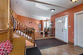 Photo 2: 4920 31 Avenue in Edmonton: Zone 29 House for sale : MLS®# E4174879