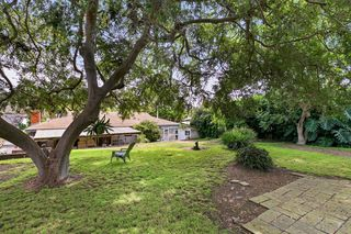 Photo 8: ENCINITAS House for sale : 3 bedrooms : 802 San Dieguito Dr
