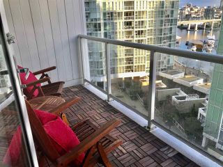 "Photo 10: 1201 193 AQUARIUS Mews in Vancouver: Yaletown Condo for sale in ""MARINASIDE RESORT"" (Vancouver West)  : MLS®# R2432125"