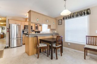 "Photo 5: 43 9080 198 Street in Langley: Walnut Grove Manufactured Home for sale in ""FOREST GREEN ESTATES"" : MLS®# R2435320"