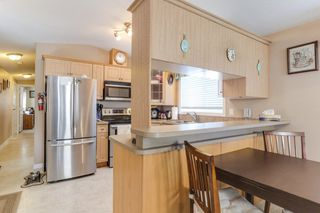 "Photo 7: 43 9080 198 Street in Langley: Walnut Grove Manufactured Home for sale in ""FOREST GREEN ESTATES"" : MLS®# R2435320"