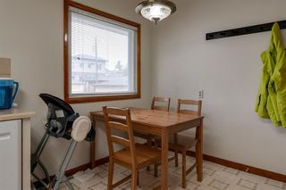 Photo 5: 2423 21 Street NW in Calgary: Banff Trail Detached for sale : MLS®# A1043187
