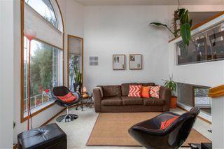 Photo 3: 915 115 Street in Edmonton: Zone 16 House for sale : MLS®# E4221373