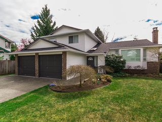 Photo 1: 1719 SUMMERHILL Place in Surrey: Crescent Bch Ocean Pk. House for sale (South Surrey White Rock)  : MLS®# F1307059