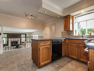 Photo 5: 1719 SUMMERHILL Place in Surrey: Crescent Bch Ocean Pk. House for sale (South Surrey White Rock)  : MLS®# F1307059