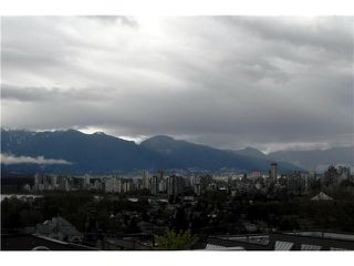 Photo 3: 204 2216 W 3RD Avenue in Vancouver: Kitsilano Condo for sale (Vancouver West)  : MLS®# V825816