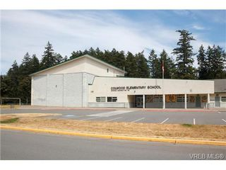 Photo 18: 522 BROUGH Pl in VICTORIA: Co Wishart North Half Duplex for sale (Colwood)  : MLS®# 681330