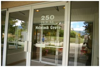 Photo 12: 302 250 Southeast 5 Street in Salmon Arm: Central House for sale : MLS®# 10088442