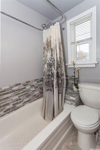 Photo 9: 819 31st Street West in Saskatoon: Westmount Residential for sale : MLS®# SK781864