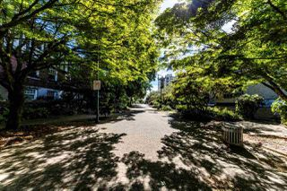 """Photo 18: 403 1500 PENDRELL Street in Vancouver: West End VW Condo for sale in """"PENDRELL MEWS"""" (Vancouver West)  : MLS®# R2395590"""