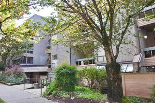 """Photo 14: 403 1500 PENDRELL Street in Vancouver: West End VW Condo for sale in """"PENDRELL MEWS"""" (Vancouver West)  : MLS®# R2395590"""