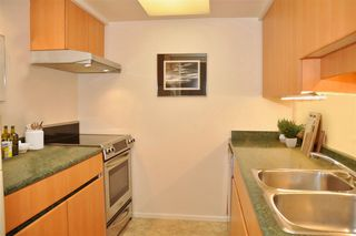 """Photo 3: 403 1500 PENDRELL Street in Vancouver: West End VW Condo for sale in """"PENDRELL MEWS"""" (Vancouver West)  : MLS®# R2395590"""