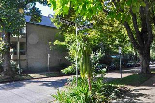"""Photo 13: 403 1500 PENDRELL Street in Vancouver: West End VW Condo for sale in """"PENDRELL MEWS"""" (Vancouver West)  : MLS®# R2395590"""