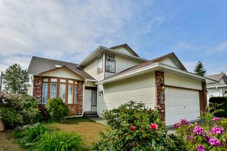Photo 3: 15176 96A Avenue in Surrey: Guildford House for sale (North Surrey)  : MLS®# R2431551