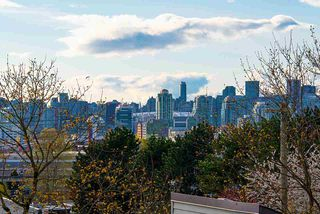 """Photo 25: 317 1422 E 3RD Avenue in Vancouver: Grandview Woodland Condo for sale in """"LA CONTESSA"""" (Vancouver East)  : MLS®# R2457082"""