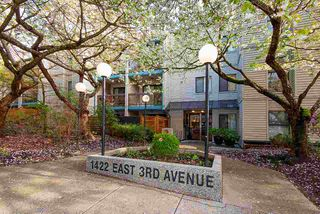 """Photo 1: 317 1422 E 3RD Avenue in Vancouver: Grandview Woodland Condo for sale in """"LA CONTESSA"""" (Vancouver East)  : MLS®# R2457082"""