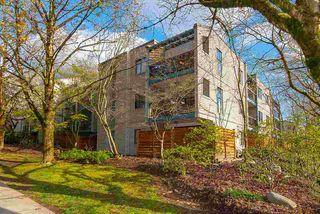 """Photo 3: 317 1422 E 3RD Avenue in Vancouver: Grandview Woodland Condo for sale in """"LA CONTESSA"""" (Vancouver East)  : MLS®# R2457082"""