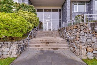 Photo 2: 402 5332 Sayward Hill Cres in : SE Cordova Bay Condo for sale (Saanich East)  : MLS®# 857532