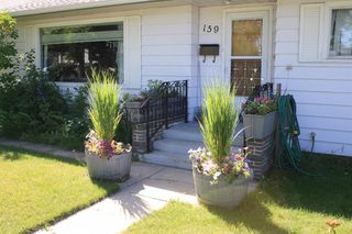 Photo 5: 159 Rosery Drive NW in Calgary: Rosemont Detached for sale : MLS®# A1040112