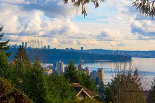"""Photo 5: 2487 QUEENS Avenue in West Vancouver: Queens House for sale in """"Queens, Upper Dundarave"""" : MLS®# R2515663"""