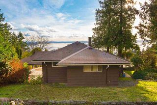 """Photo 9: 2487 QUEENS Avenue in West Vancouver: Queens House for sale in """"Queens, Upper Dundarave"""" : MLS®# R2515663"""