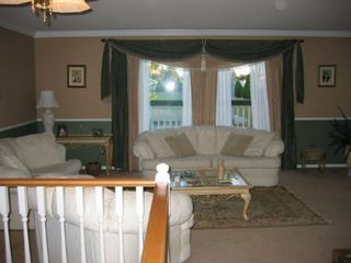 Photo 2: 15825 97A Avenue: House for sale (Guildford)