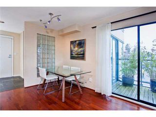 "Photo 5: 28 939 W 7TH Avenue in Vancouver: Fairview VW Condo for sale in ""MERIDIAN COURT"" (Vancouver West)  : MLS®# V936138"