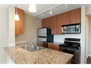 "Photo 9: 2707 688 ABBOTT Street in Vancouver: Downtown VW Condo for sale in ""FIRENZE II"" (Vancouver West)  : MLS®# V949386"