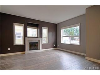 Photo 2:  in VICTORIA: La Langford Proper Row/Townhouse for sale (Langford)  : MLS®# 460649