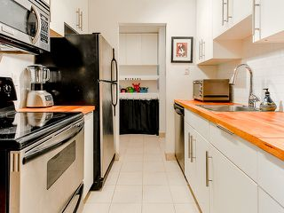 Photo 2: 207 3353 Heather Street in Vancouver: Cambie Condo for sale (Vancouver West)  : MLS®# V1060929